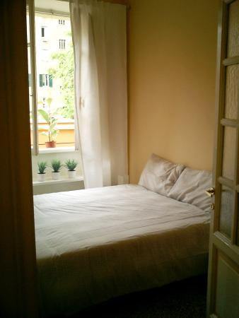 Rome Vatican Vacation Apartments: Mosaico Sleeping