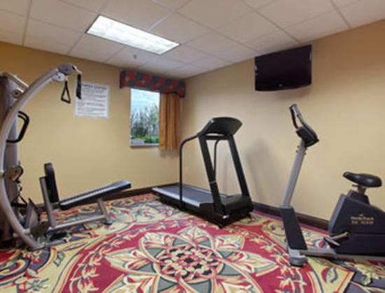 Days Inn & Suites Jeffersonville IN: Fitness Center
