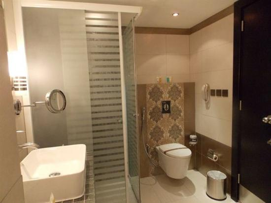 Al Waha Palace Hotel: Bathroom Cubic Bath