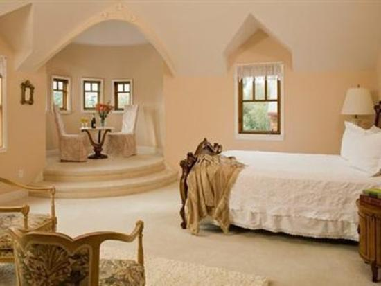 Arch Cape Inn & Retreat: Guest Room -OpenTravel Alliance - Guest Room-