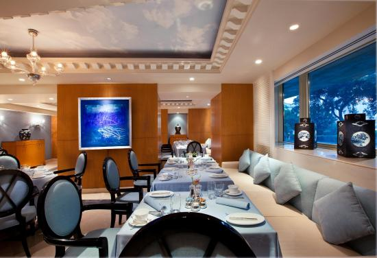 Kempinski Nile Hotel Cairo : The Blue Restaurant
