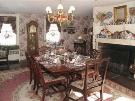 Chester Bulkley House Bed and Breakfast : Dining