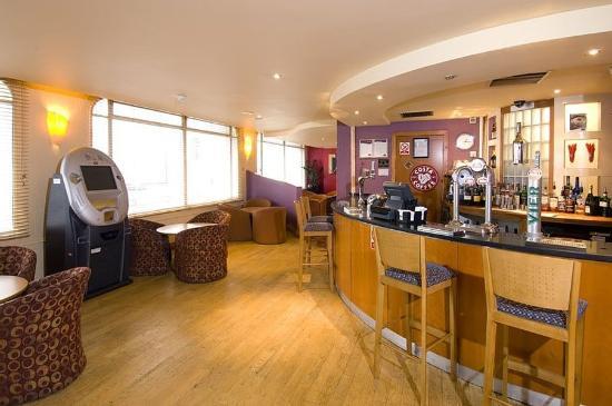 Premier Inn Manchester City Centre (Arena/Printworks) Hotel: Bar