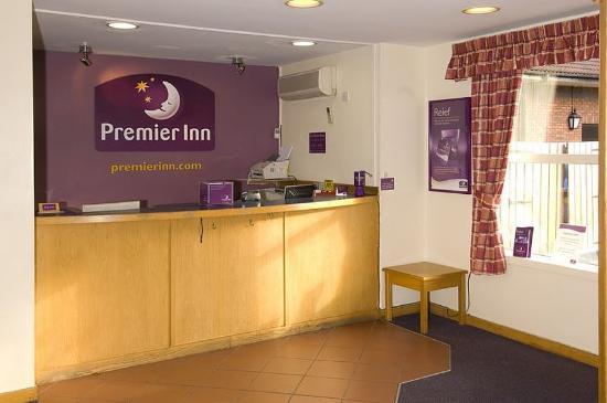 Premier Inn Liverpool (West Derby) Hotel: Lobby