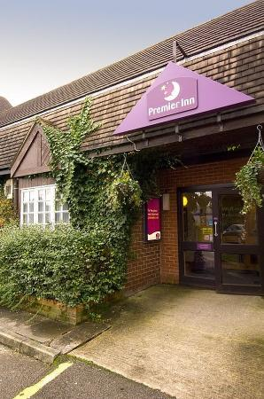 Premier Inn Wirral Bromborough Hotel Updated 2018 Reviews Price Comparison And 66 Photos