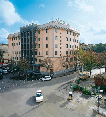 Hotel Royal Caserta: Exterior
