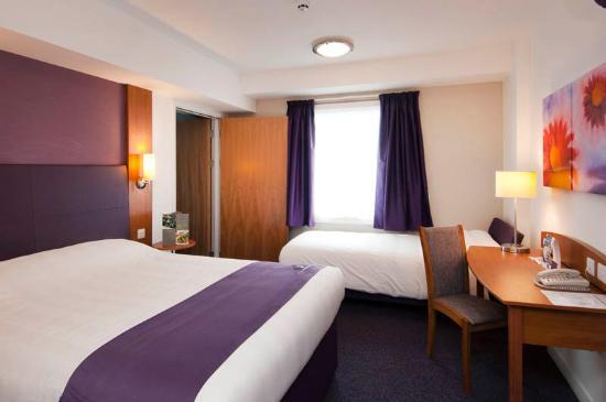 Premier Inn Maidstone (Allington) Hotel: Room