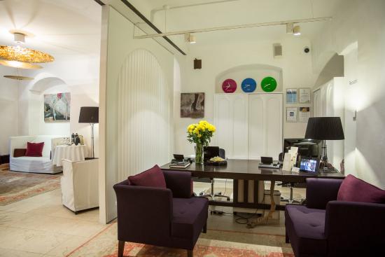Dome Hotel & SPA - Relais & Chateaux: Concierge