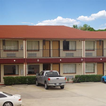 Photo of Executive Inn & Suites Houston