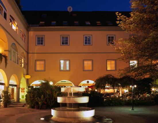Hotel Goldener Brunnen: Exterior View