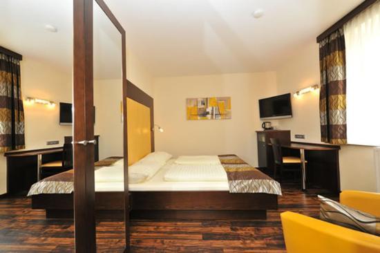 Hotel Goldener Brunnen: Business Dbl Room
