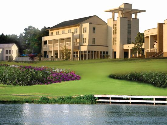 Lake Blackshear Resort and Golf Club: Other Hotel Services/Amenities