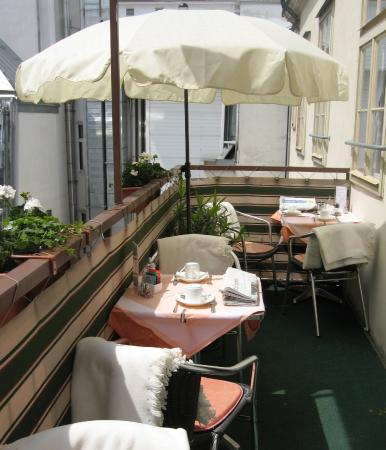 Pension Aviano: Balkon - Balcony