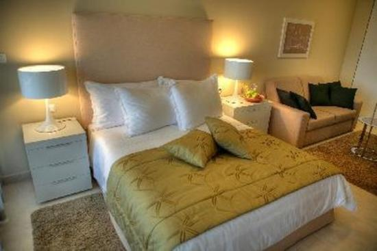 The Residence: Luxury Suite