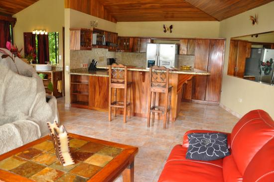 Condotel Las Cascadas: Bright Penthouse Kitchen And Suite