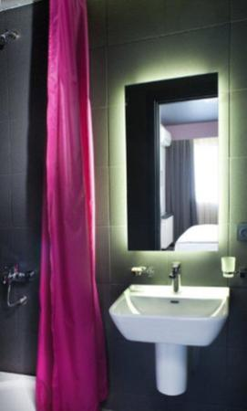 City By Molton Hotels: Room