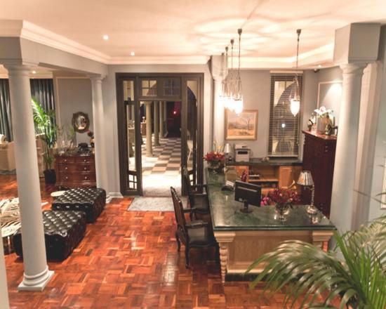 The Winston Hotel: Reception