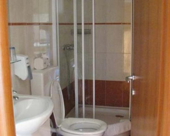 Slice Villa Cezar Bathroom