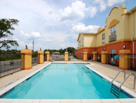 Days Inn & Suites Marquez