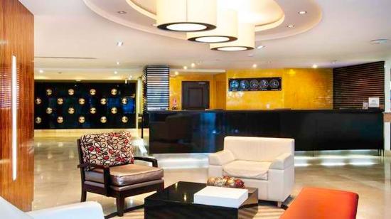 DoubleTree By Hilton Panama City: Hotel lobby Center