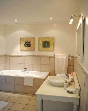 Bliss on Beacon Isle: Bathroom