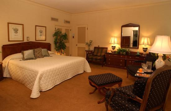 Milwaukee Athletic Club: Bedroom