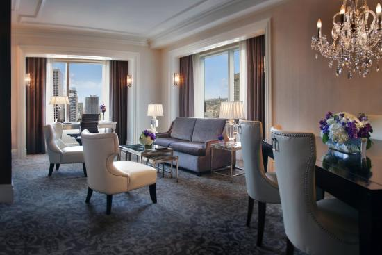 Trump International Hotel & Tower Toronto: Grand Deluxe Suite