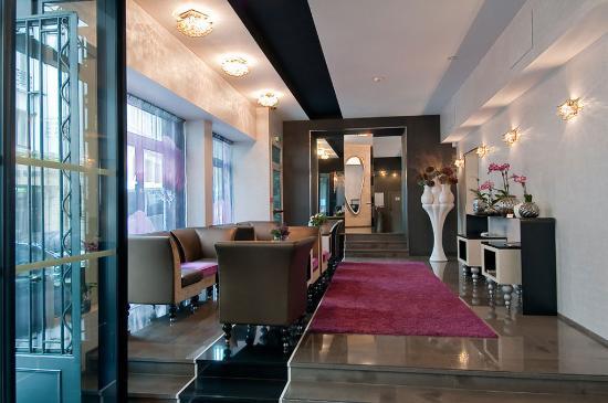 Grand Hotel Saint-Michel: Lobby Area