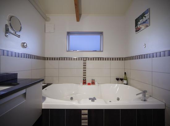 151 on London : 1 Bedroom Spa Unit