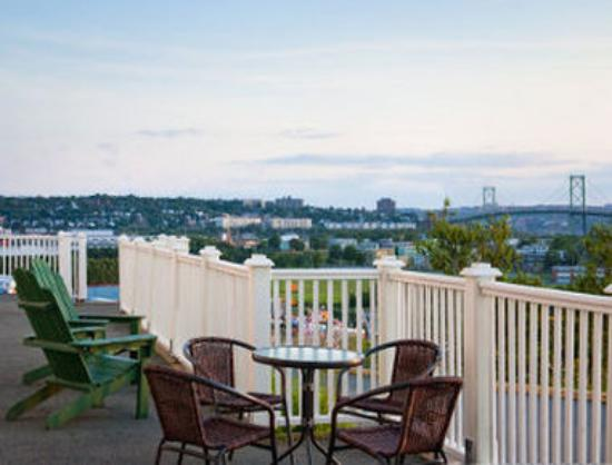 Travelodge Suites Halifax Dartmouth: Guest Room With Bridge View