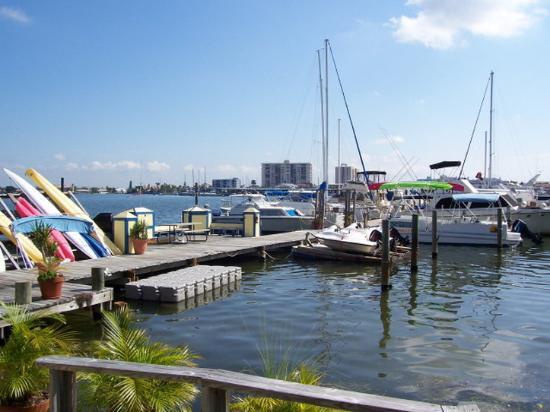 Barefoot Bay Resort and Marina: Exterior