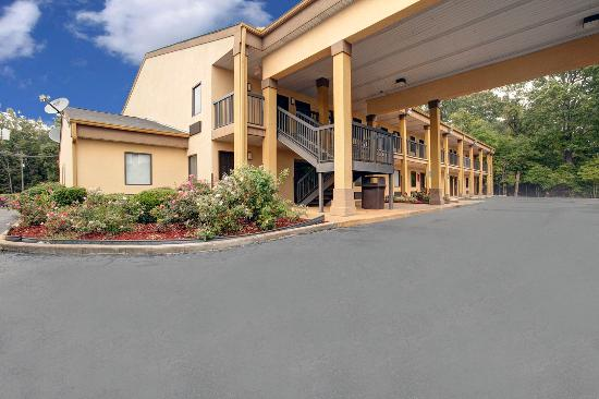 Photo of Americas Best Value Inn Montezuma