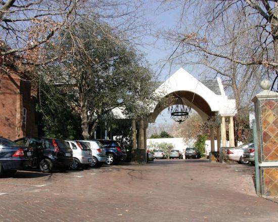 Faircity Quatermain Hotel: Exterior