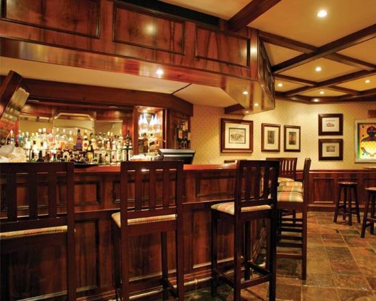 Faircity Quatermain Hotel: Lounge bar