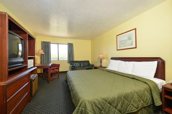 Americas Best Value Inn: One King Room3