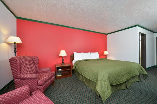 Americas Best Value Inn: One King Room4