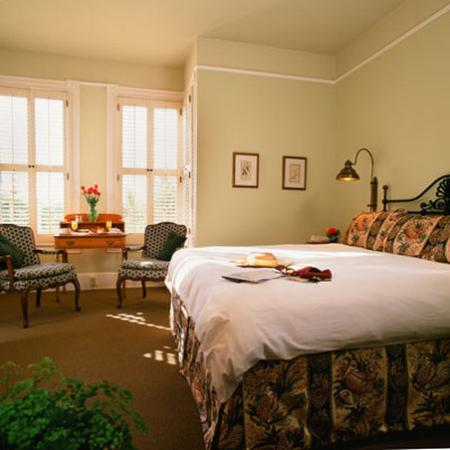 The Upham Hotel & Country House: Santa Barbara King Room
