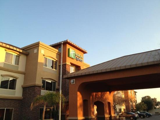 Holiday Inn Express & Suites Phoenix Tempe University: Holiday Inn