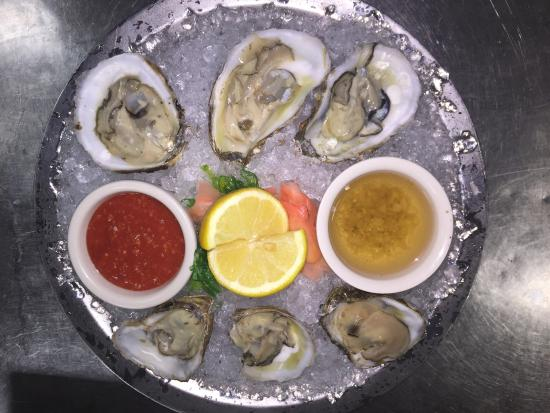 Courtside Steakhouse: Oysters!!