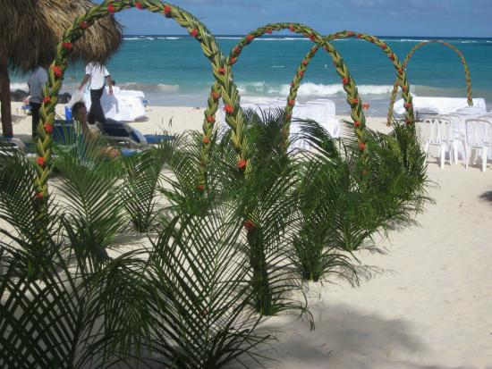 Tropical Princess Beach Resort Spa Preparations For A Wedding