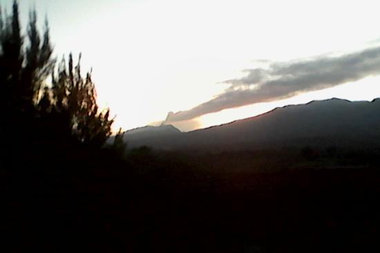 Parque Nacional Braulio Carrillo: Volcan turrialba desde el parque Braulio Carrillo