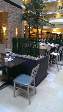 Embassy Suites by Hilton Dallas - Market Center: Every table was filthy.