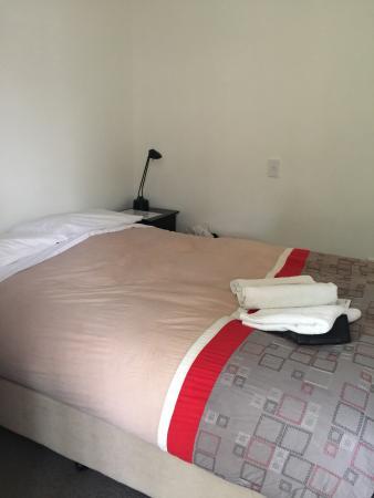 Franz Josef Montrose: Bedroom