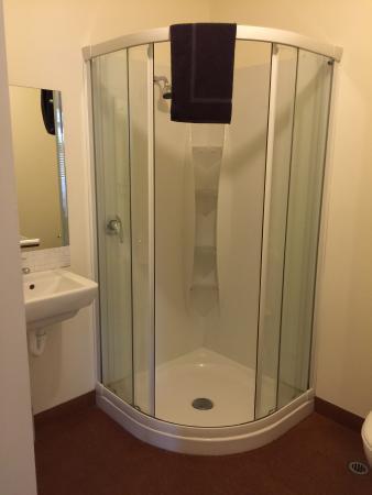 Franz Josef Montrose: Bathroom