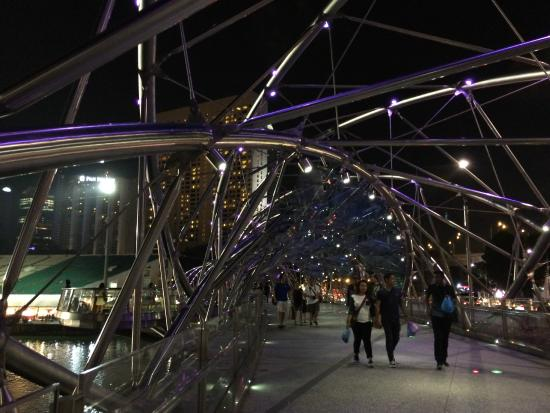 Marina Bay: ponte promenade