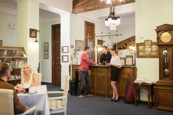 Villa Voyta Hotel & Restaurant: Recepce