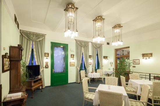 Villa Voyta Hotel & Restaurant: Lobby