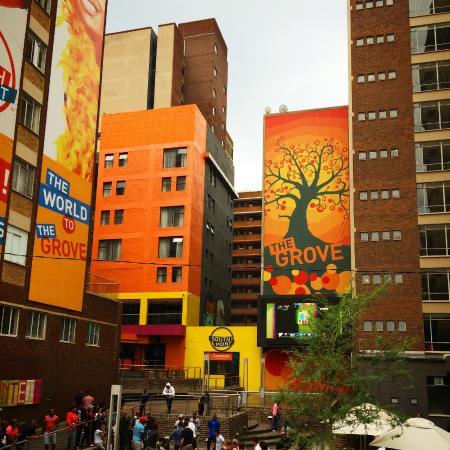 โฮเต็ล ลามูนุ: the trendy space around the hotel