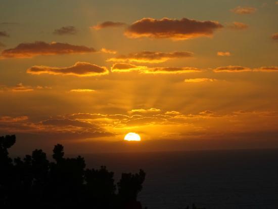 Cape Borda Lighthouse Keepers Heritage Accommodation: Cape Borda sunset