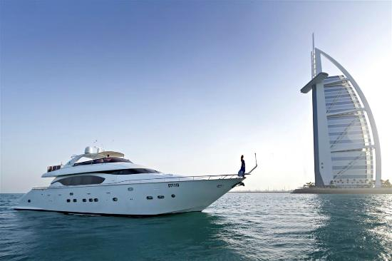 Xclusive Yachts Tours